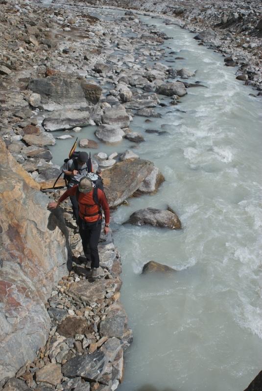 Trekking by upper Barun Khola river 2