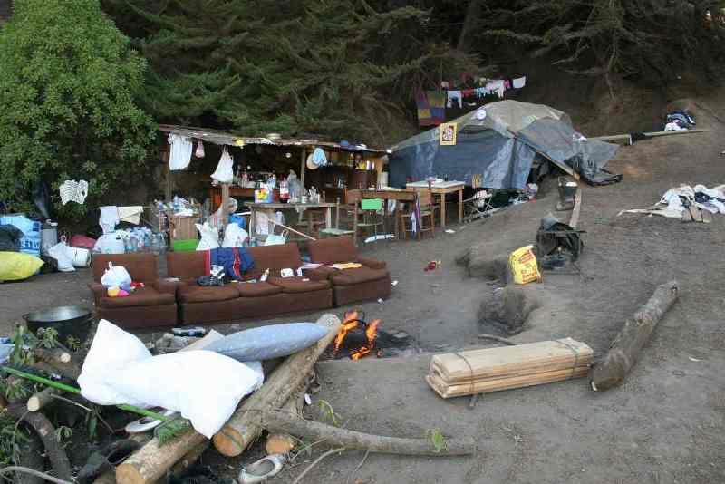Makeshift_camp