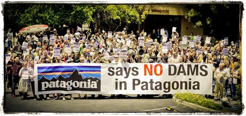 Employees of Patagonia stage a caceroloza outside of headquarters