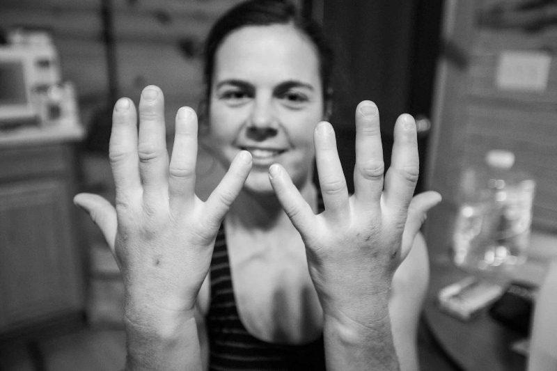 Jasmin_hands