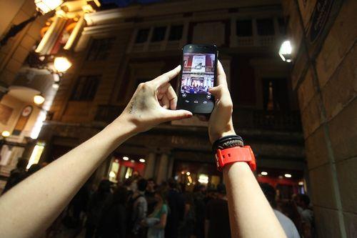 Ang_friday.smartphone2.lr